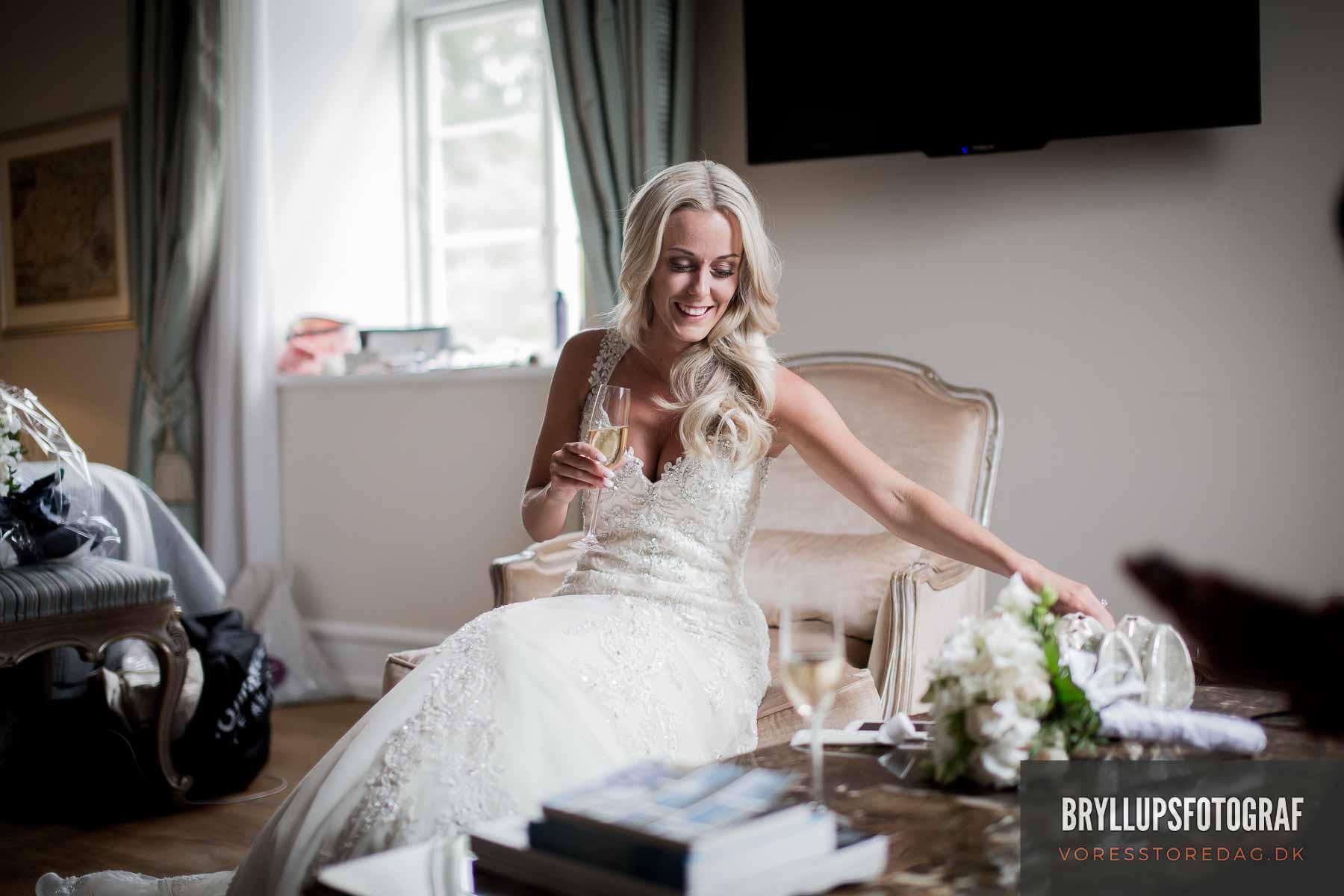 Her har du virkelig med en dygtig bryllupsfotograf esbjerg
